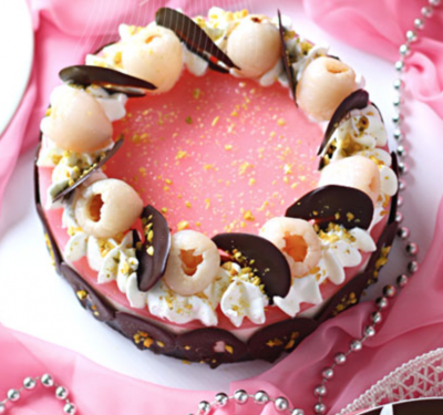 Lycheee mousse cake